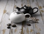 on-trend-london-pottery-pebble-teapots-available-from-parsley-in-time